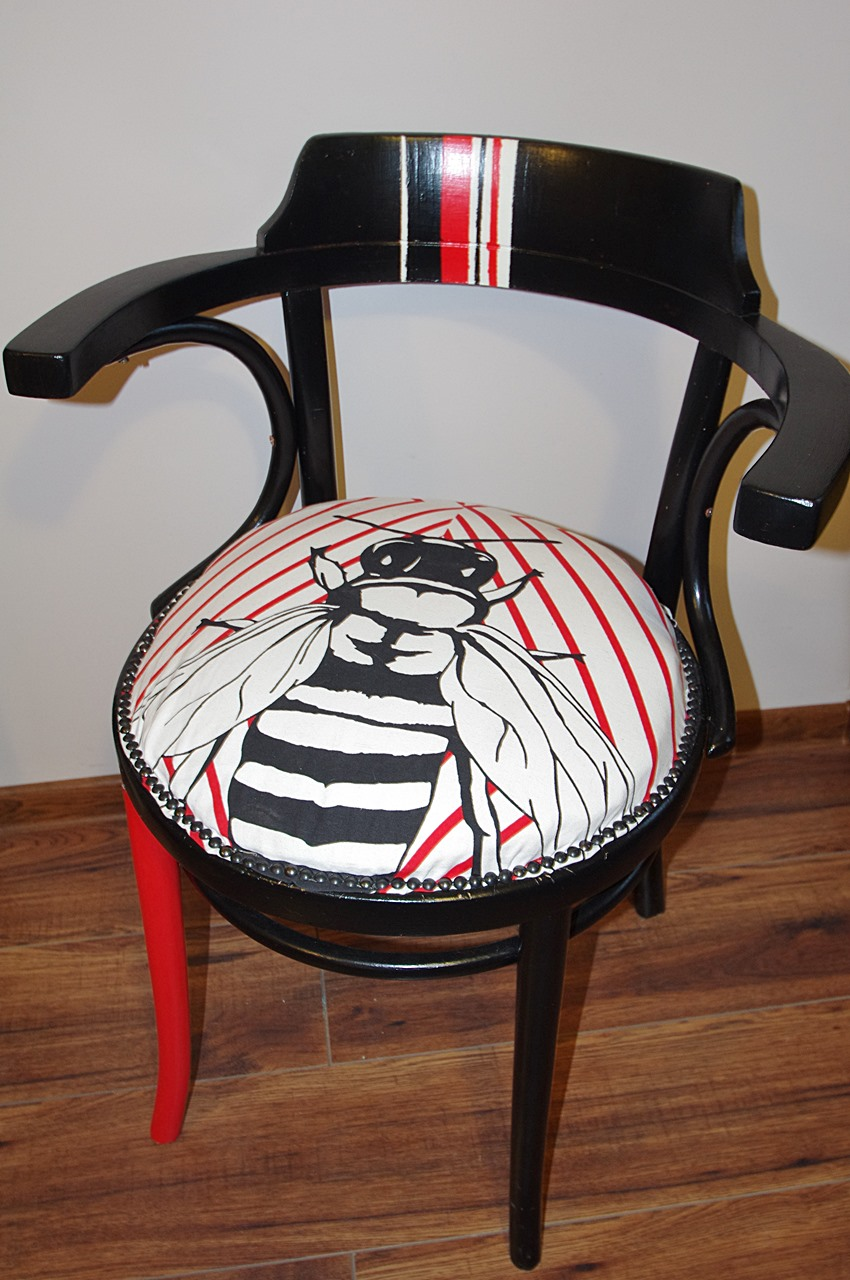"""krzeslo giete tapcerowane - """"MUCHA"""" NIE SIADA"""