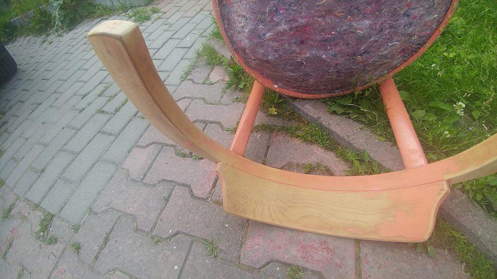 """szlifowanie drewnianego krzesla 1024x576 - """"MUCHA"""" NIE SIADA"""