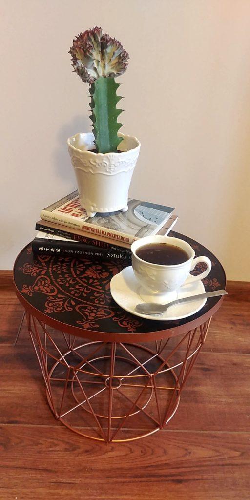 stolik kawowy diy 512x1024 - KOSZYCZKU NAKRYJ SIĘ