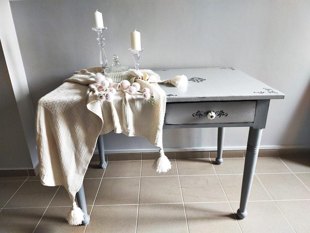 renowacja stołu z drewna 1024x768 - STARY STÓŁ DREWNIANY - RATUJEMY MEBEL